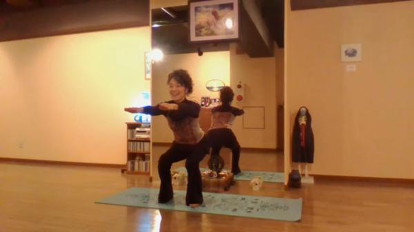 おうちで15分ヨーガ♡第3回下肢強化のポーズで運動不足を解消!~Fromアーナンダヨーガスタジオ~